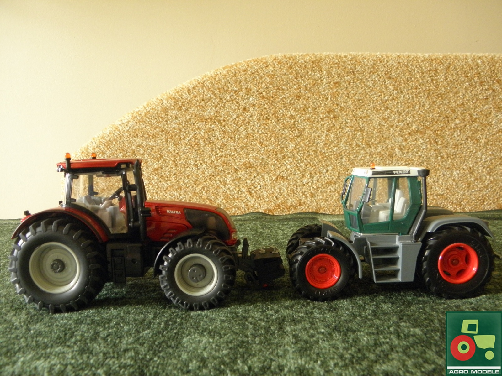 Valtra (370 PS) v Fendt (140 PS)