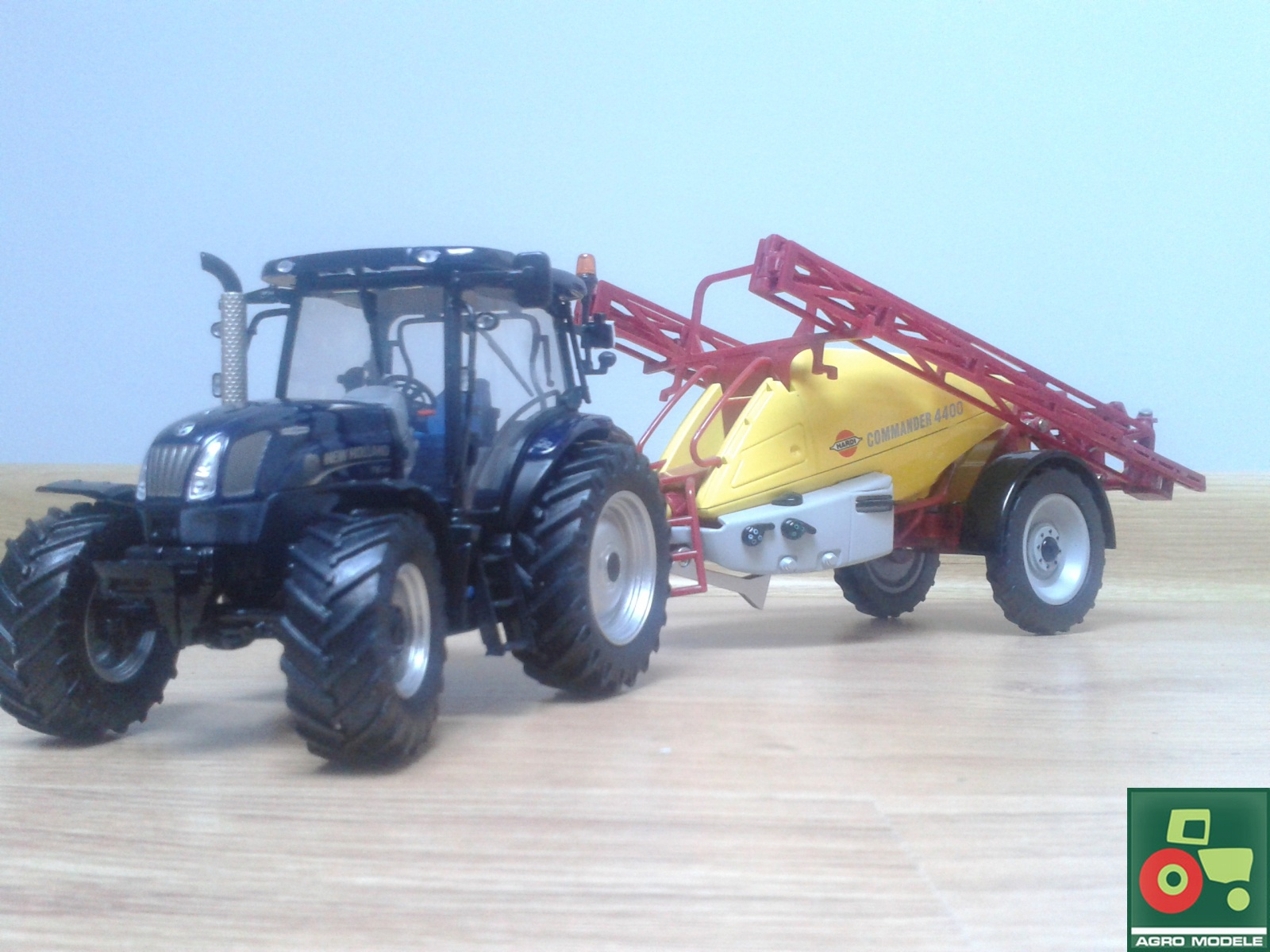 New Holland & Hardi
