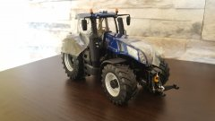 New Holland T8  435 Blue Power Marge Models